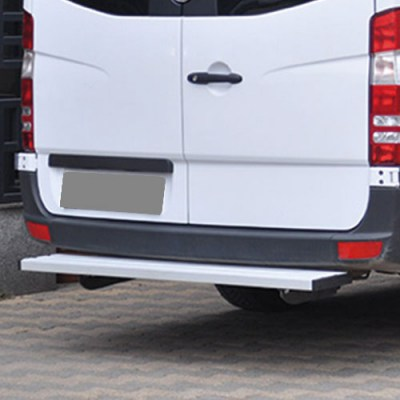 80ao22_ford_transit_rear_step